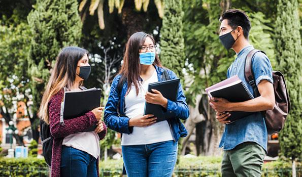 college-students-with-masks